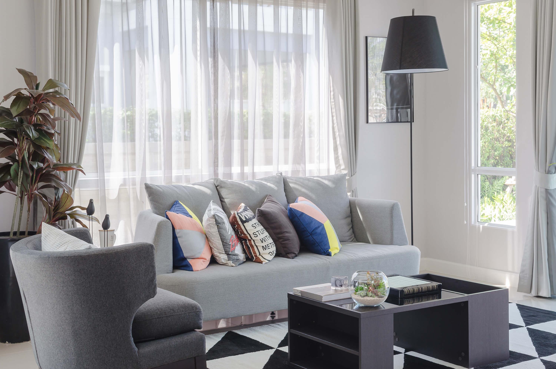 Modi Di Mettere Tende come lavare le tende di casa: scoprilo con i nostri consigli