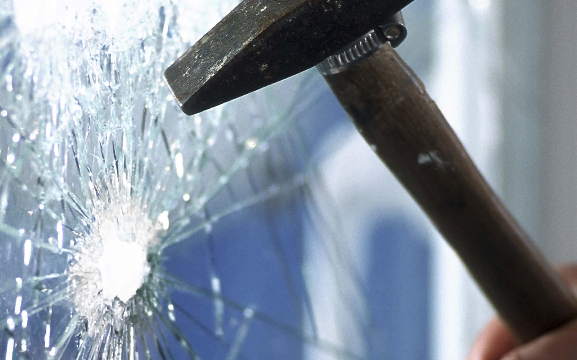 Vetro antisfondamento e antieffrazione a prova di ladro e di furto