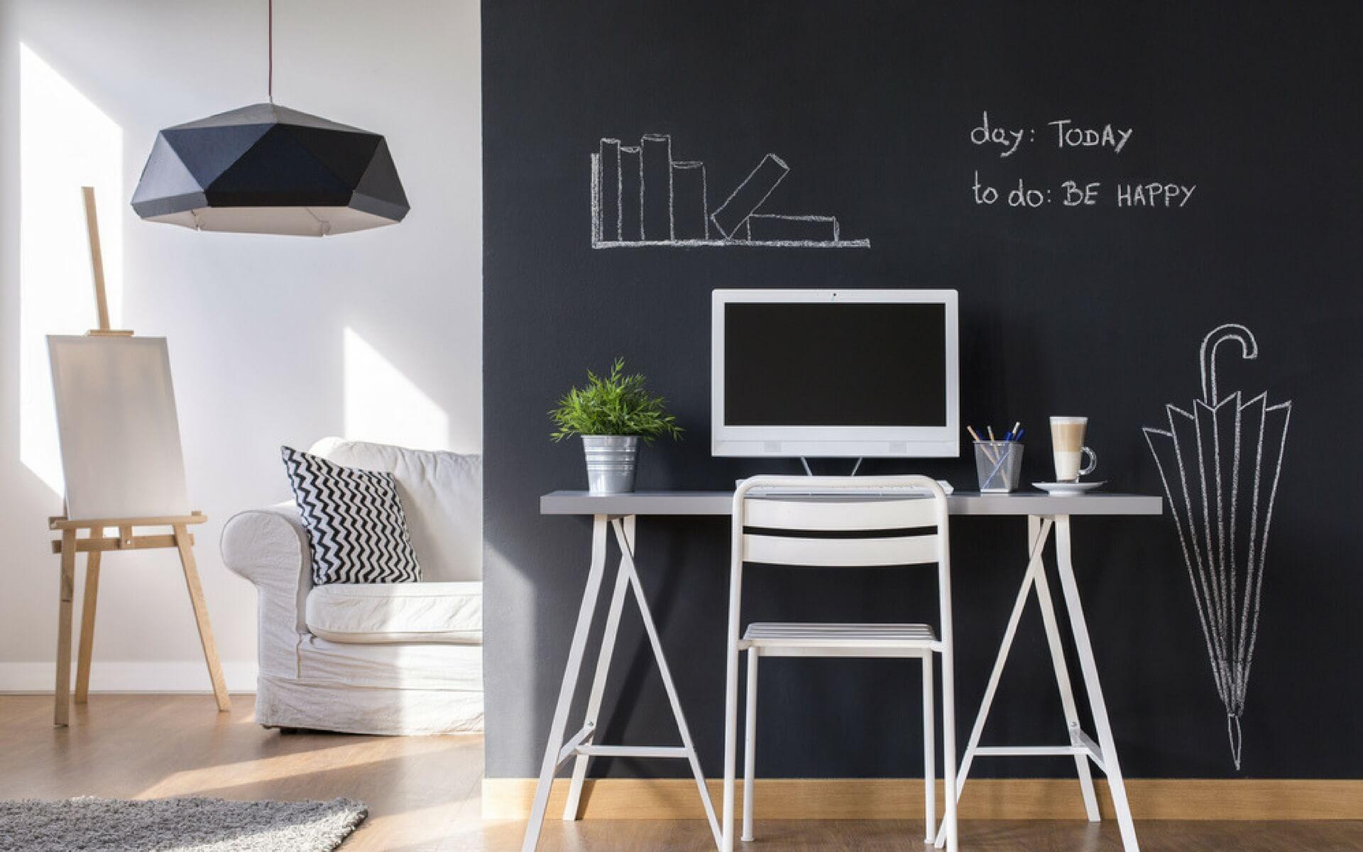 Decorare le pareti con vernice lavagna oknoplast