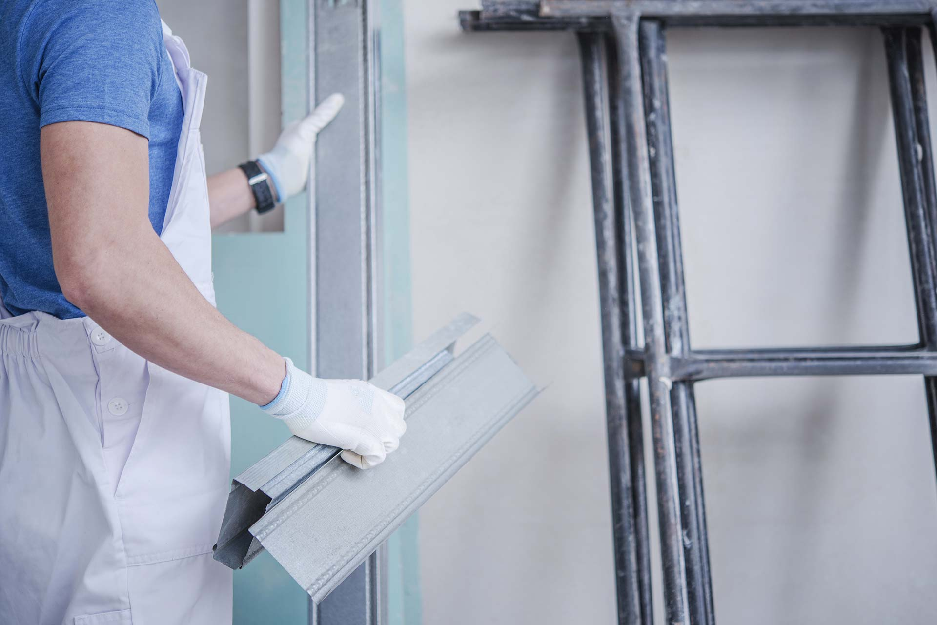Come comportarsi se l'impresa di ristrutturazione del vicino provoca danni durante i lavori