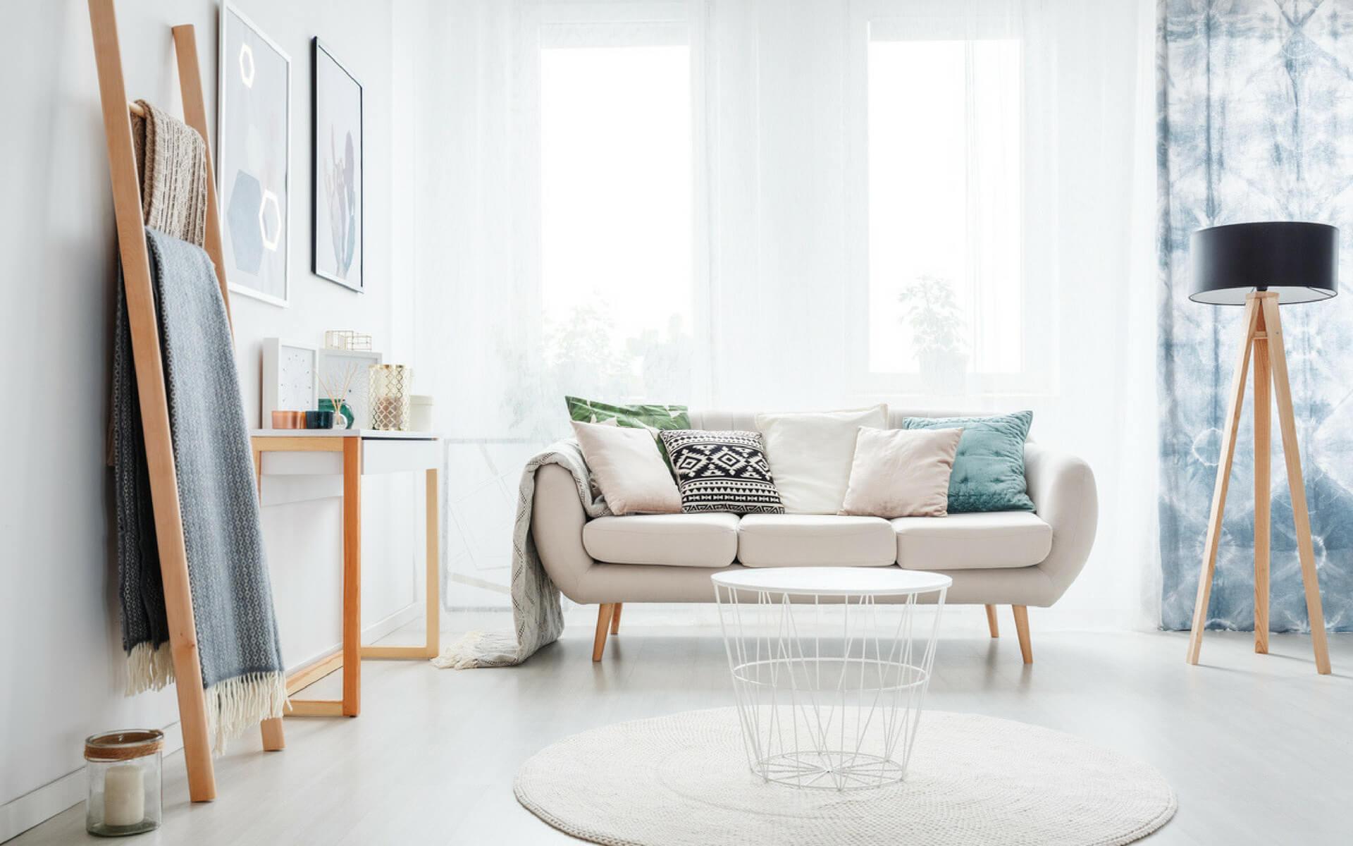 Le tende interne sono un'ottima soluzione per limitare il caldo dentro casa