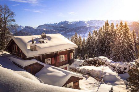 Consigli per arredare perfettamente una casa in montagna