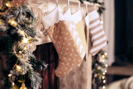 Pratici consigli e idee per decorare la casa per Natale con soluzioni fai da te