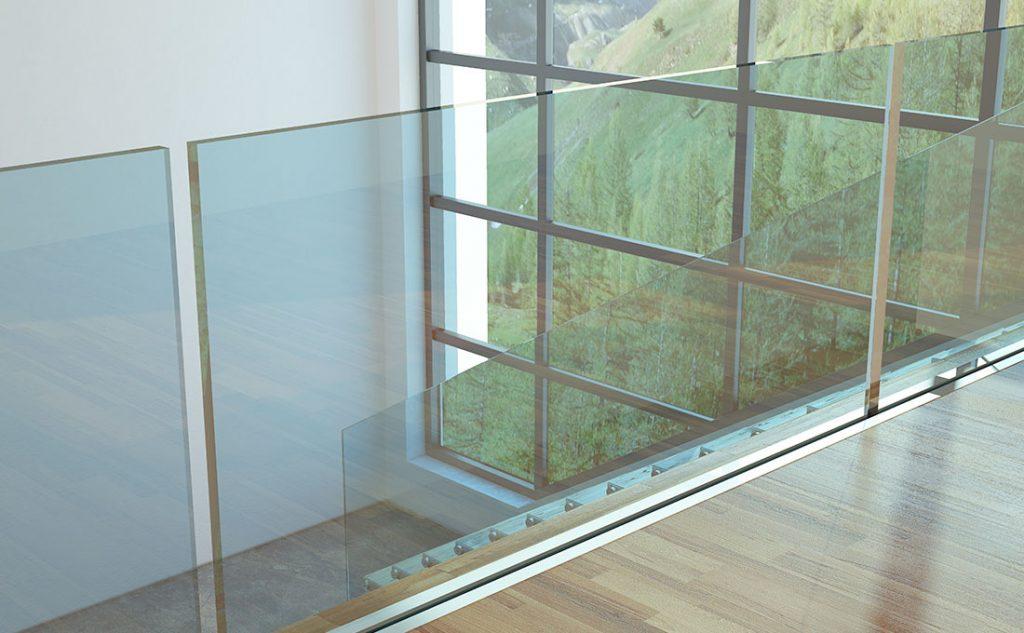 Ringhiera trasparente per sfruttare meglio la luce naturale in un soppalco