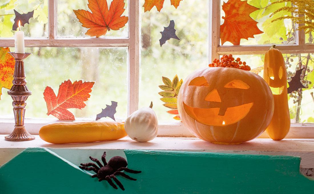 Decorare le finestre di casa per Halloween