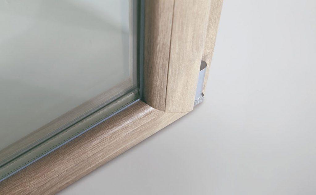 cerniera e ferramenta per le finestre in pvc Oknoplast