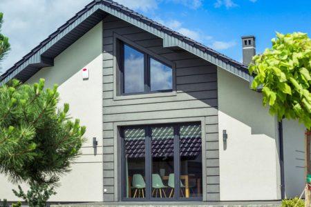 Ferramenta per finestre in PVC Oknoplast: tutti i vantaggi