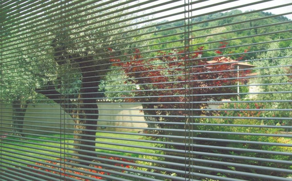 sistemi oscuranti per finestre: veneziane da interno Oknoplast